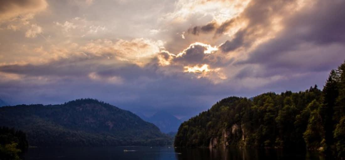 <h2>Albsee</h2> Im Albsee spiegelt sich die eindrucksvolle Kulisse der abwechslungsreichen Landschaft (Foto:flickr).