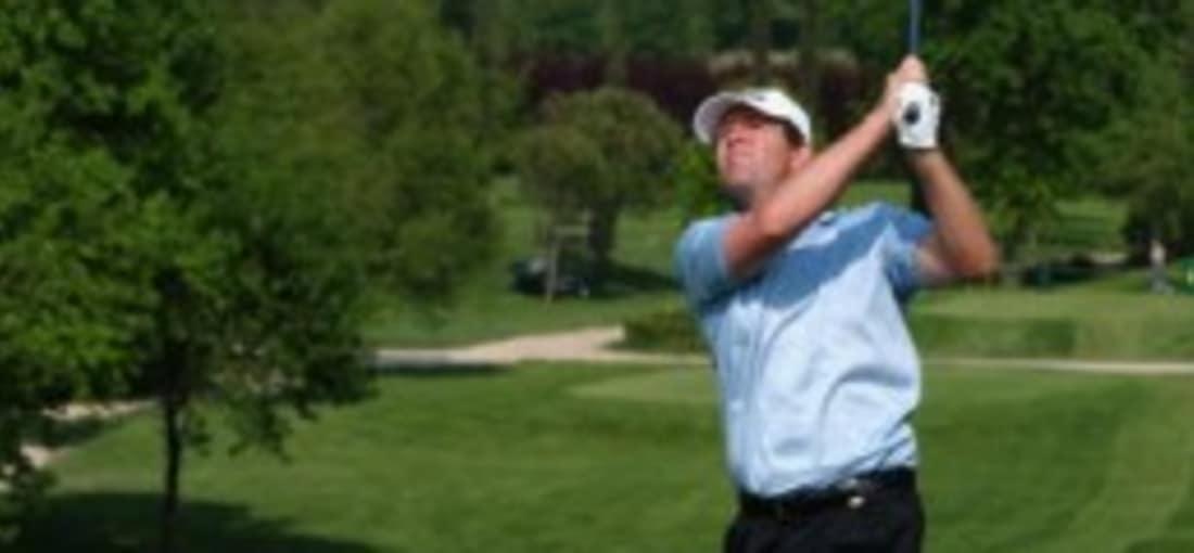 ...natürlich darf auch eine Runde Golf beim Gardagolf Country Club in Brescia nicht fehlen. Hier zu sehen: Der Niederländer Rolf Muntz bei der Italien Open 2003 an Loch 15. Im Hintergrund kann man die Hügellandschaft Valtenési bewundern. (Bild: Harry How/Getty Images)