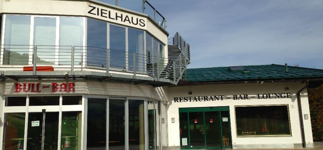 Zielhaus Hahnenkamm-Abfahrt