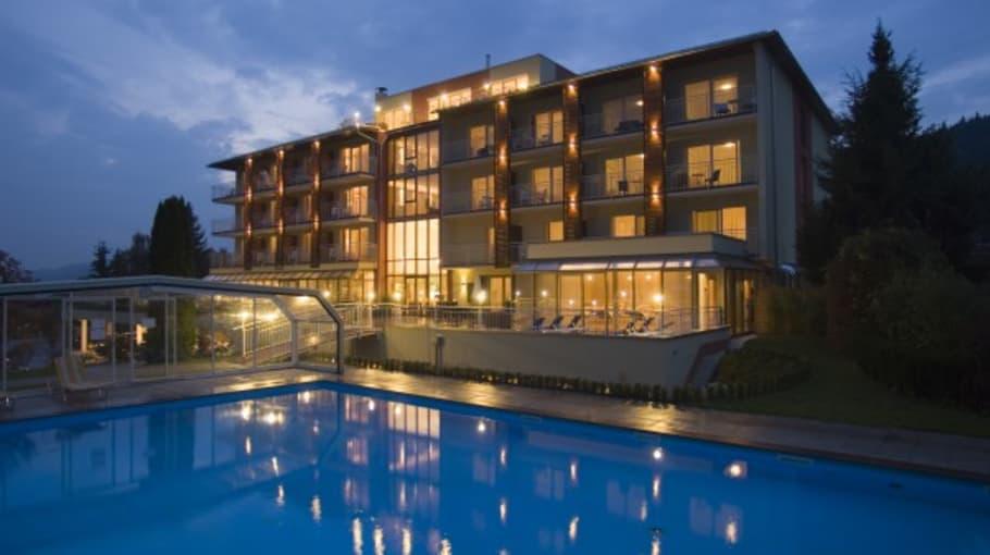 """Großzügiges Schwimmbad mit Überdachung. <a title=""""Hier gehts zur Hotelseite"""" href=""""http://www.balancehotel.at""""_blank"""">Hotel Balance am Wörthersee</a> (Foto: Resch Kommunikation)"""