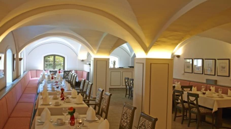 Der großräumige Frühstücksraum bietet ein reichhaltiges Frühstücksangebot(Foto: Gut Kaden)