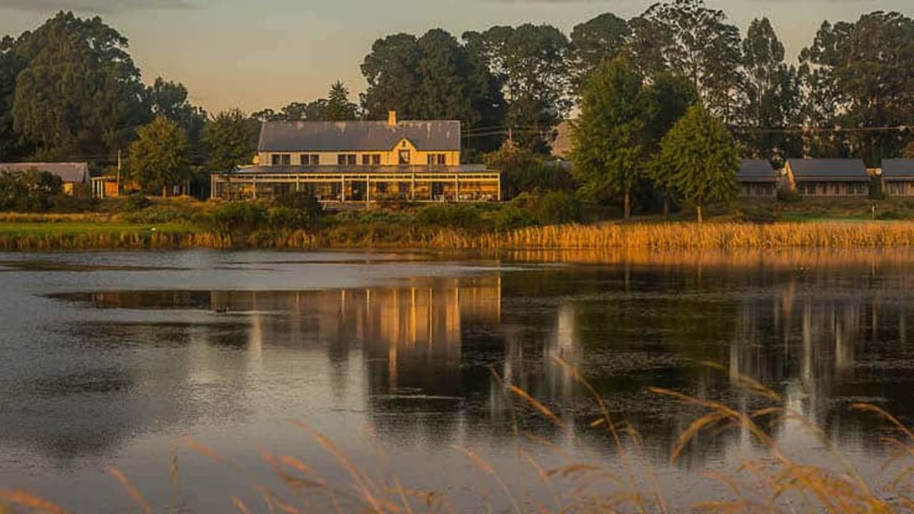 Aussenansicht der Gowrie Farm Golf Lodge (Foto: Gowrie Farm)