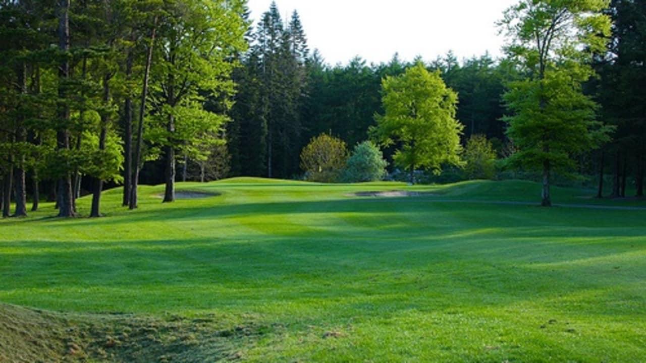 Das Fairway des 16. Lochs im Athenry Golf Club.