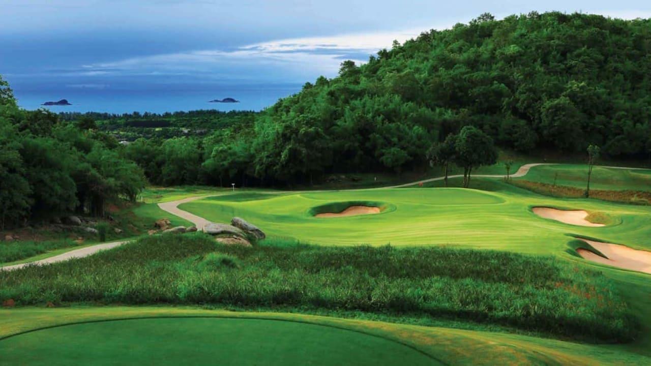 Den Banyan Golf Club spielen Sie an Tag 9 Ihrer Reise - inklusive Cart und Caddie (2009 Bester neuer Kurs in Asien: landschaftlich außergewöhnlich und gut gepflegt). (Foto: Sophisticated Golftours)