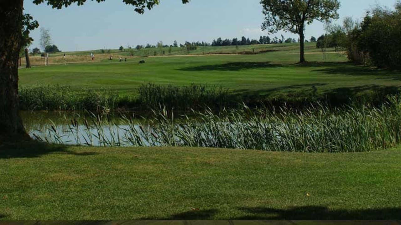 Leicht hügelig und offen – der Golfpark Rothenburg-Schönbronn. (Foto: 500% Golf)