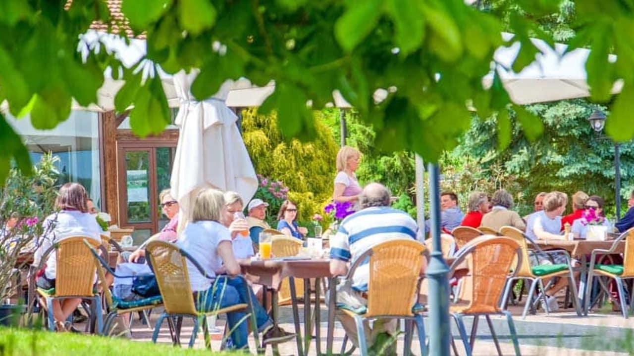 Der Golf- und Landclub Oberpfälzer Wald: Die gemütliche Terrasse. (Foto: 500% Golf)