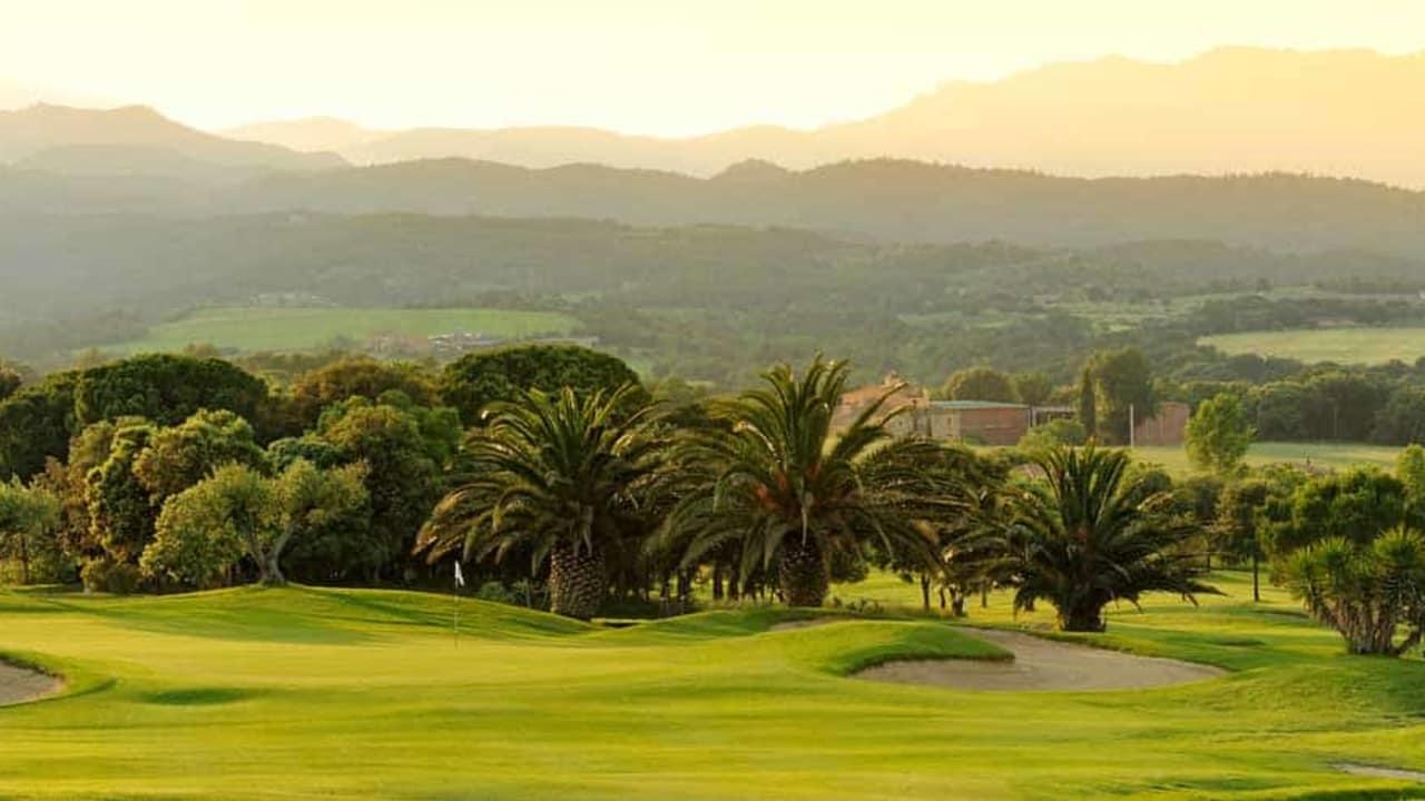 Der Ausblick während der Golfrunde ist einzigartig. (Foto: Golf Holiday Italy)