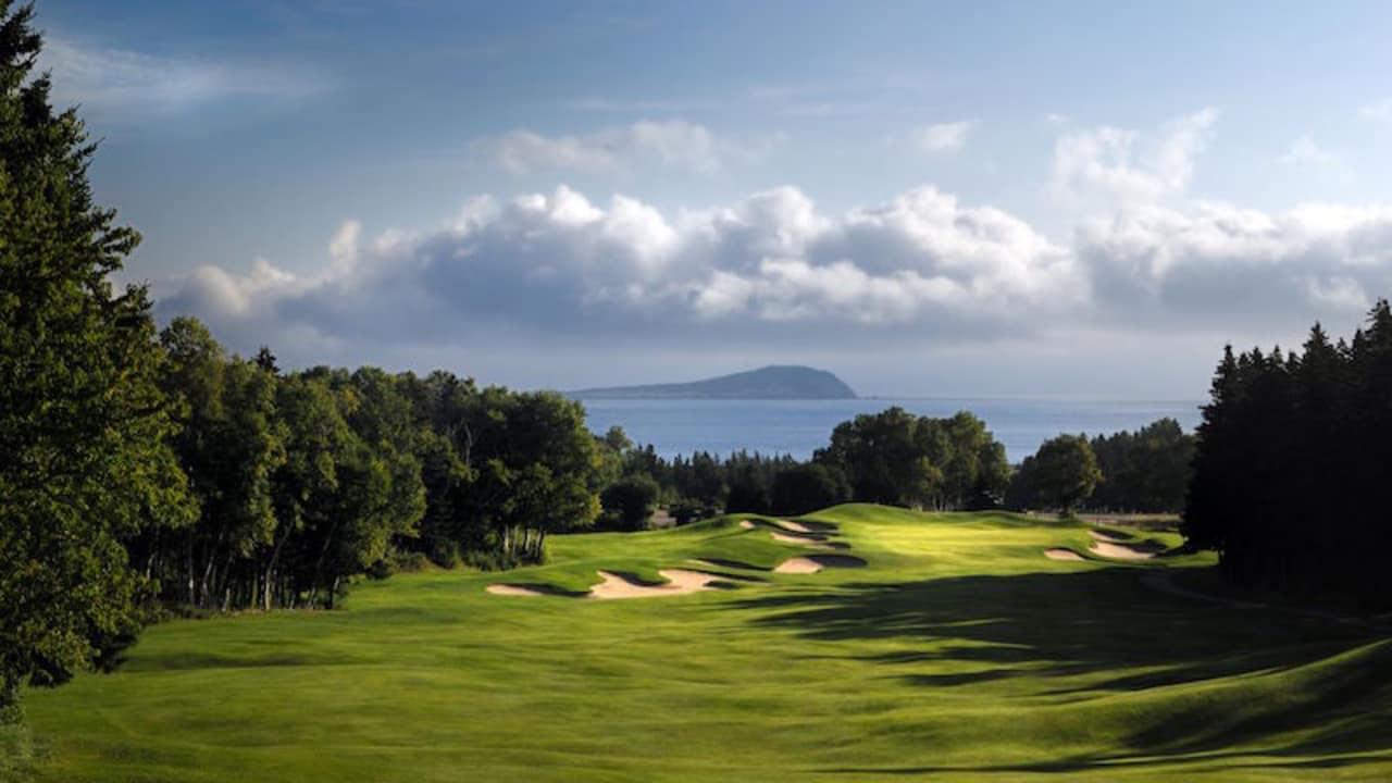 Der Highlands Links Course wird kontinuierlich unter den zehn besten Plätzen Kanadas geführt.