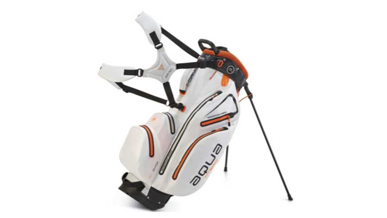 Das neue Aqua Hybrid Golfbag in der Farbe weiß. (Foto: Big Max Golf)