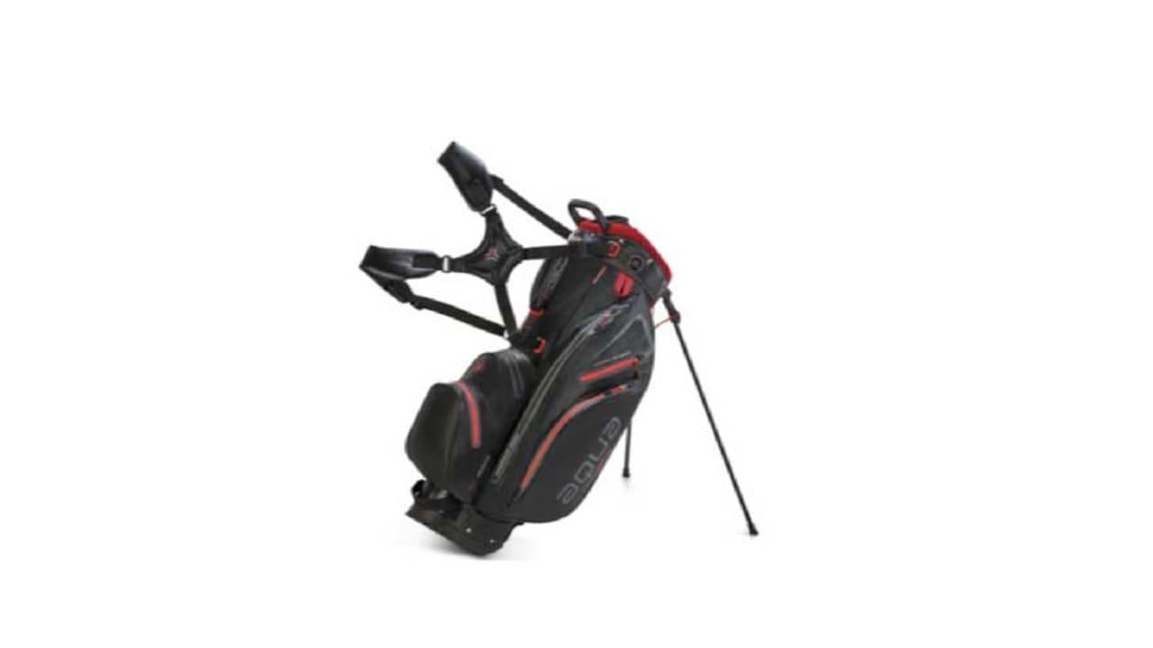 Das neue Aqua Hybrid Golfbag in der Farbe schwarz. (Foto: Big Max Golf)