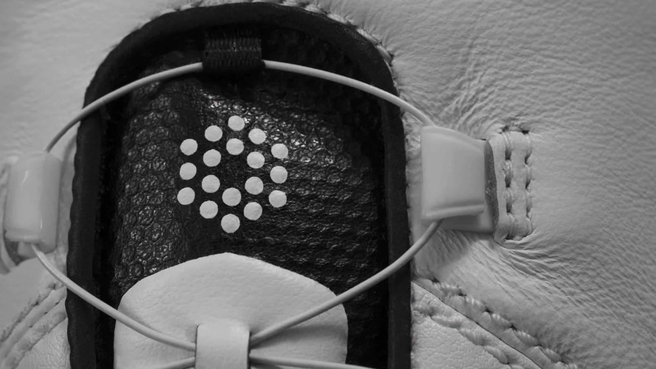 Die neue Disc-Technologie macht unnötiges Schnüren obsolet und geht schnell von der Hand. (Foto: Puma Golf)