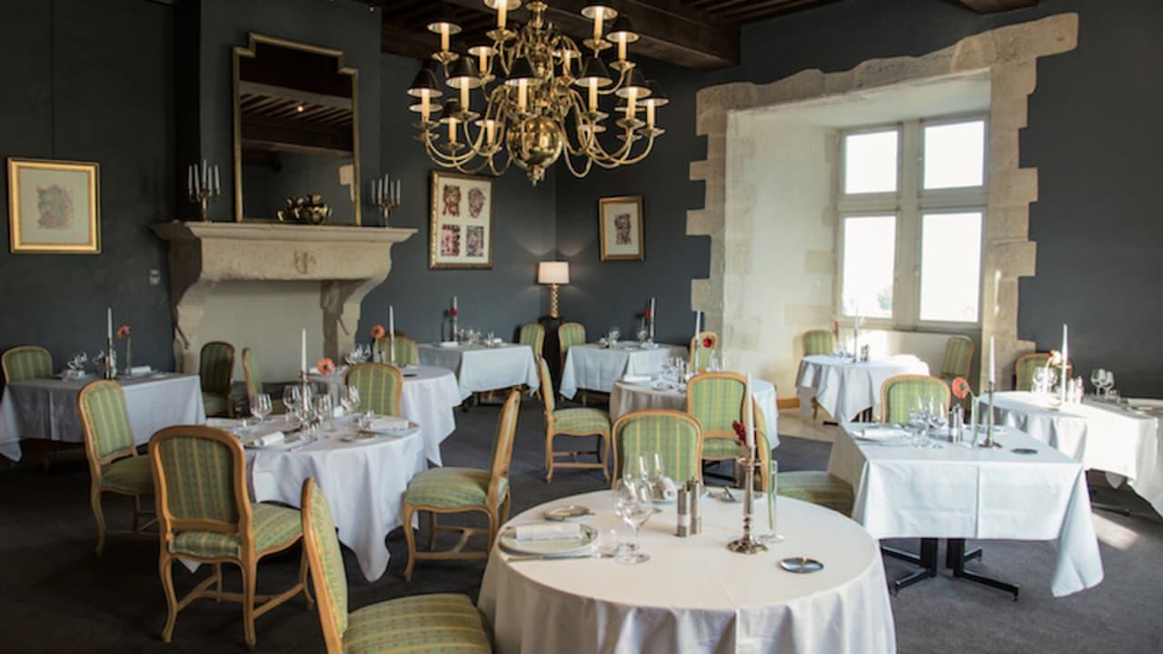 Das L'Armançon Restaurant bietet Ihnen eine gastronomische Gaumenreise. (Foto: Hôtel Golf Château de Chailly)