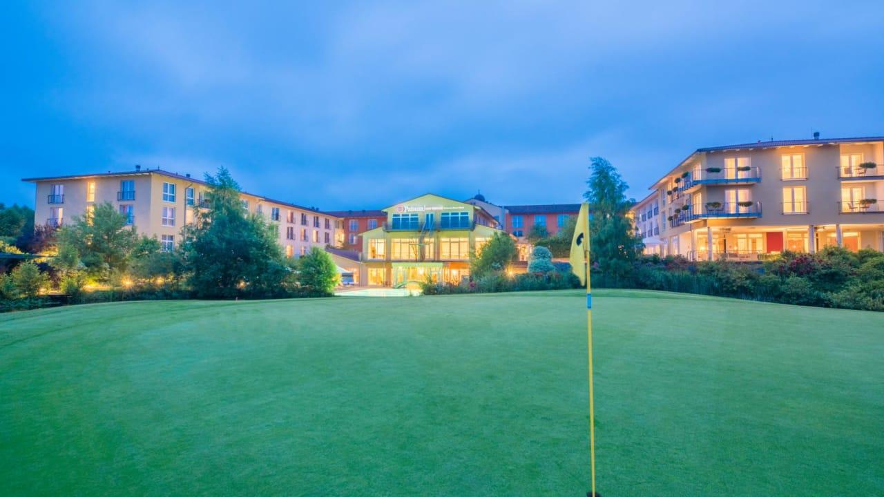Der Blick vom Golfplatz Adendorf. (Foto: Castanea Resort Hotel)
