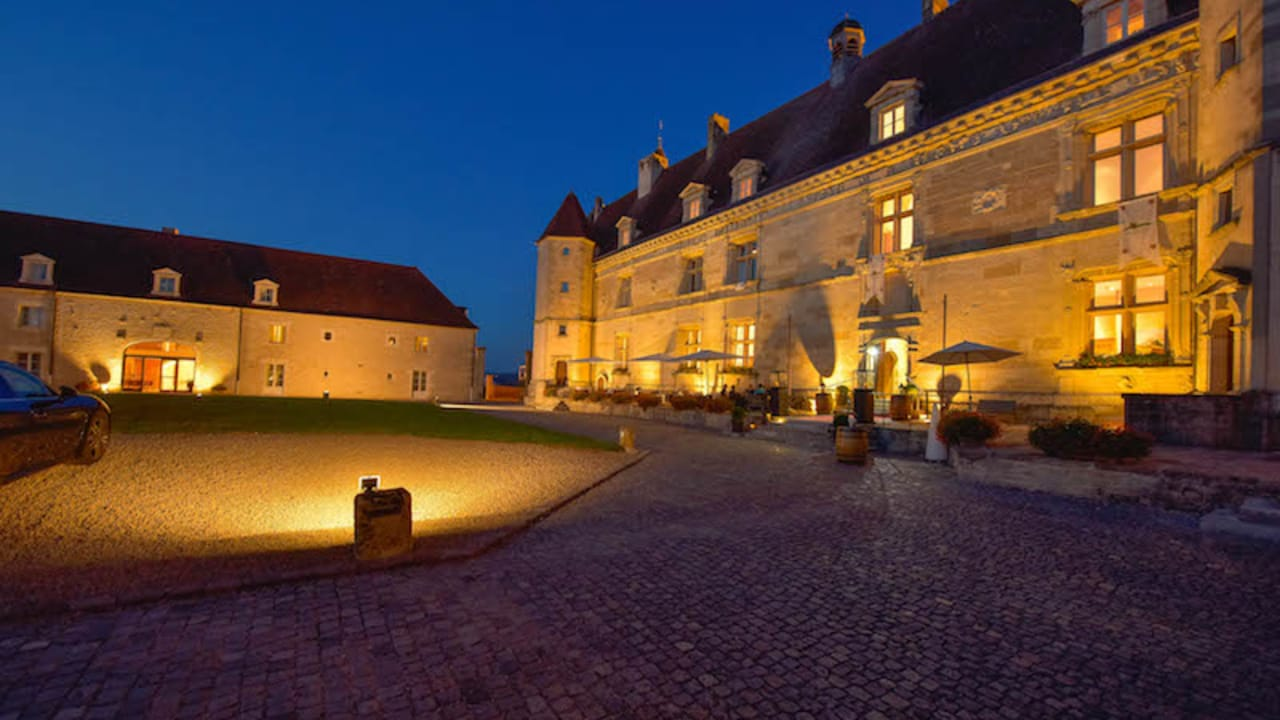 Das Château de Chailly ist eine denkmalgeschützte ehemalige Burganlage aus dem 16. Jahrhundert. (Foto: Hôtel Golf Château de Chailly)
