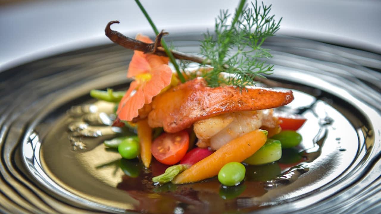 Entdecken Sie eine klassische Küche mit moderner Auslegung und einem aufmerksamen Service. (Foto: Hôtel Golf Château de Chailly)