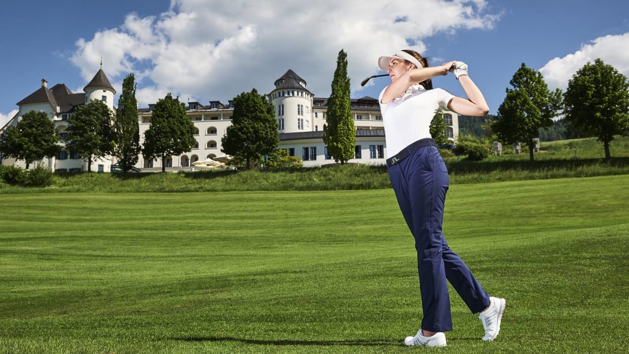 Der Golfplatz von Romantik Hotel Schloss Pichlarn ist eine der ältesten Anlagen in Österreich und zählt gemeinsam mit dem Romantik Hotel Schloss Pichlarn weltweit zu den schönsten Resort Anlagen. (Foto: Armin Walcher)