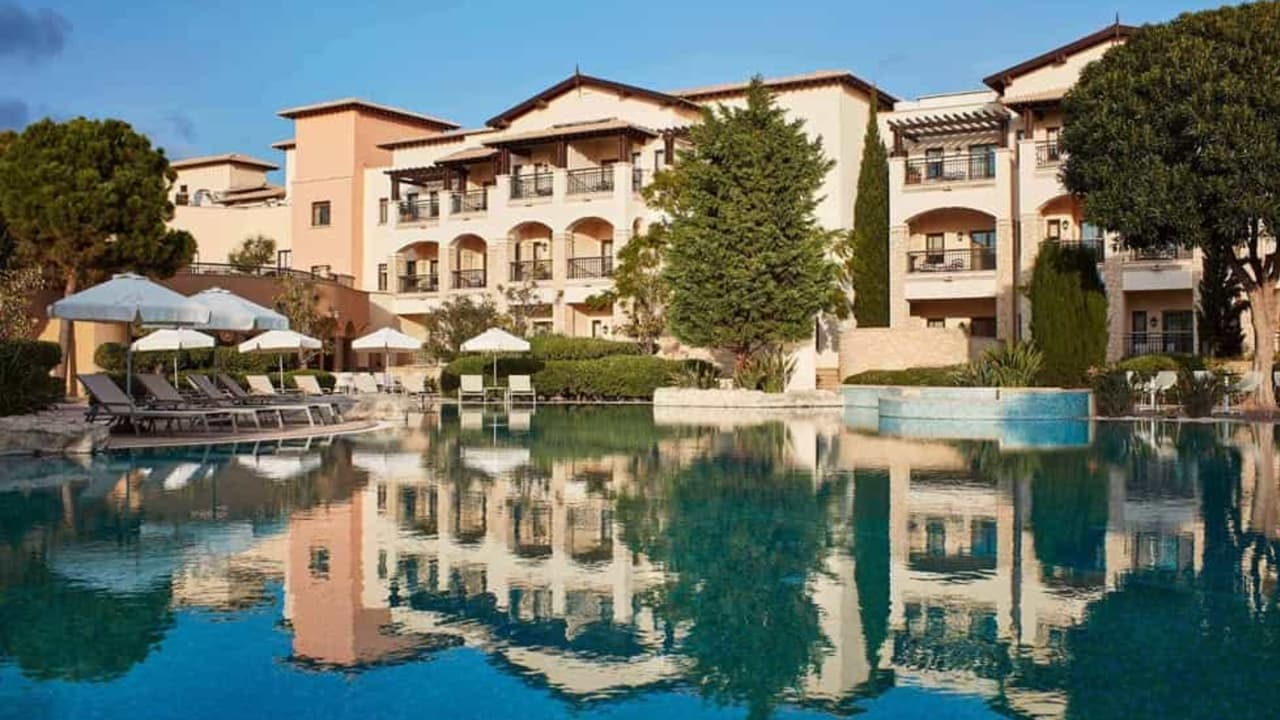 Wählen Sie zwischen einem Zimmer mit Meer-, Pool- oder Gartenblick. (Foto: Aphrodite Hills Resort)