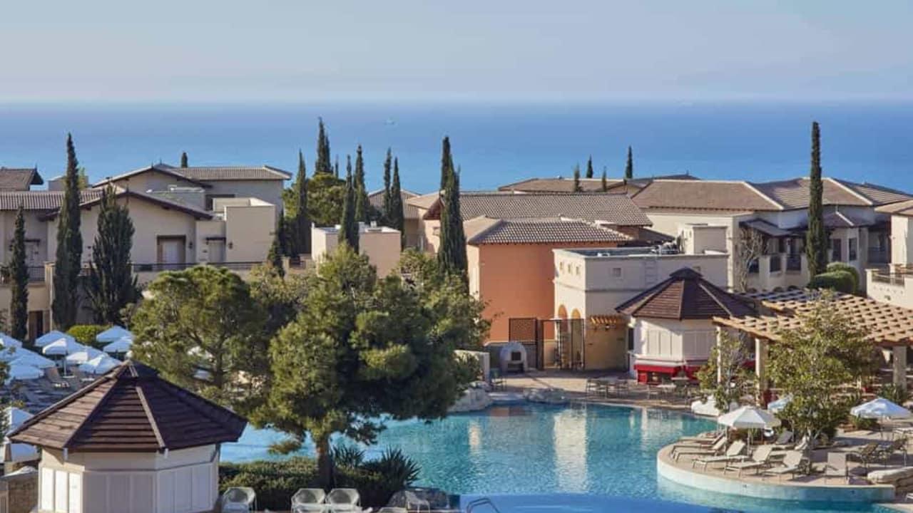 Das 5-Sterne Resort bietet Ihnen eine perfekte Mischung aus Erholung und Sport. (Foto: Aphrodite Hills Resort)