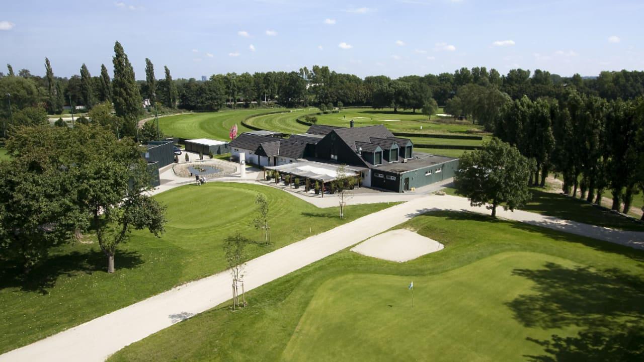 Spielen Sie während Ihres Aufenthalts den Golfclub Mülheim Raffelberg (Foto: Boutique Hotel Villa am Ruhrufer Golf & Spa)