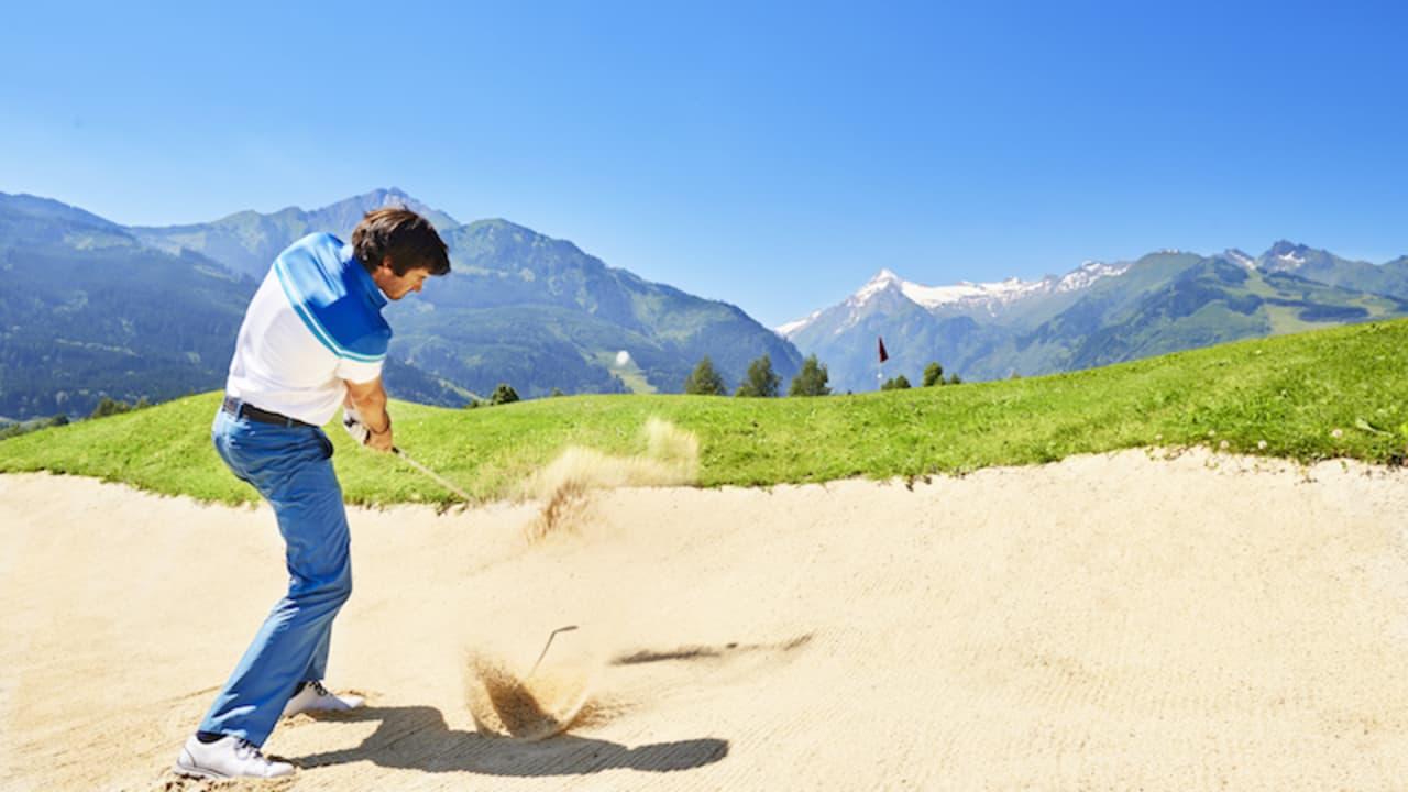 Der Golfclub Zell am See-Kaprun bietet zwei flache 18-Loch-Plätze inmitten der Berge des Salzburger Landes. (Foto: Hotel Berner)