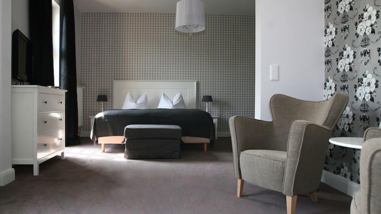 Jetzt stehen den Gästen 19 stilvoll ausgestattete Zimmer und eine Suite zur Verfügung. (Foto: Marieke Sobiech)
