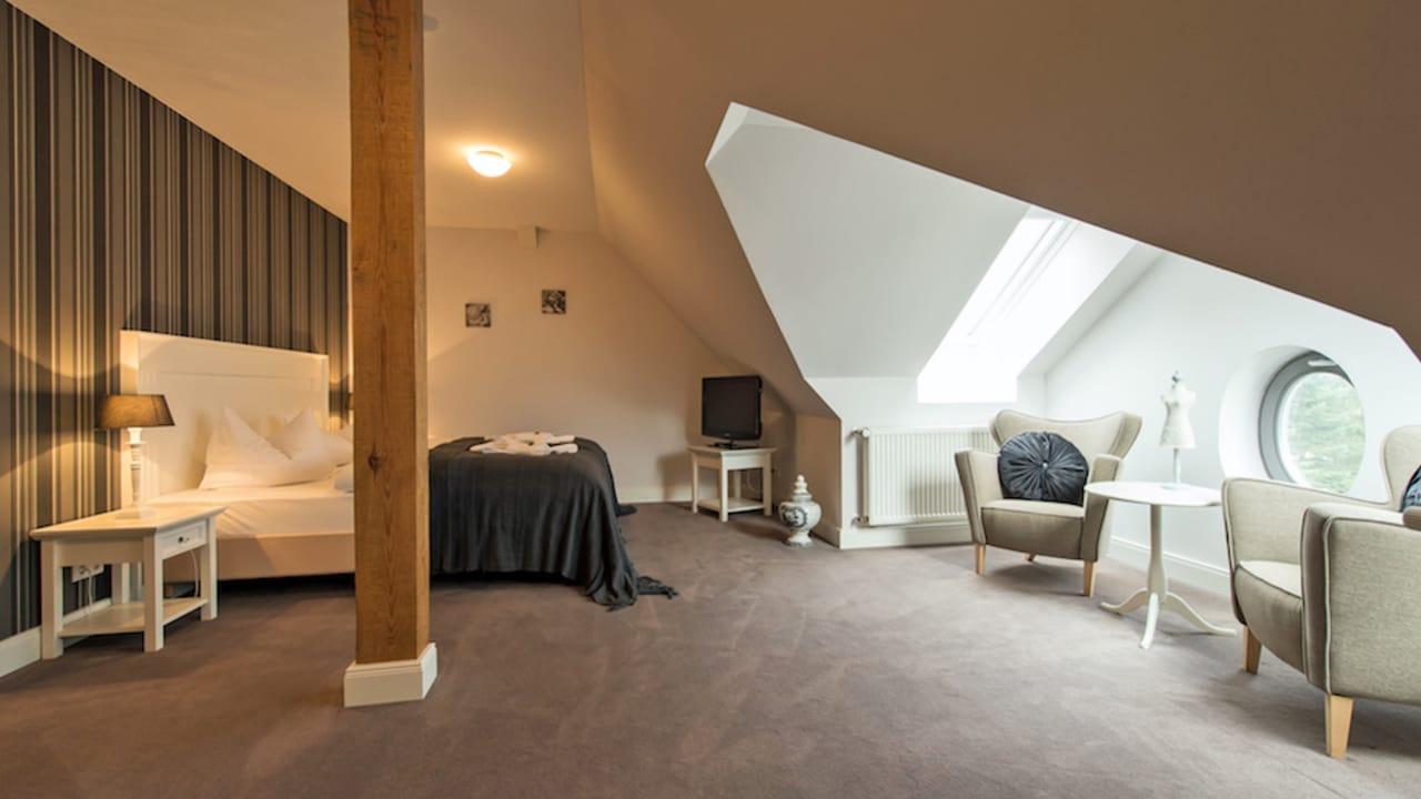 Die hellen, individuellen Räume bestechen mit klassischem Design und liebevoll ausgesuchten Details, die für eine Wohlfühl-Atmosphäre sorgen. (Foto: Stefan von Stengel)