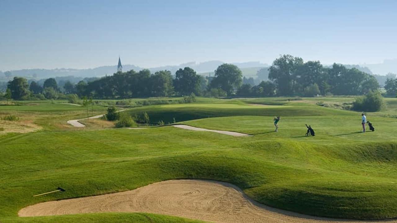 Im LUDWIG wohnen und nach Herzenslust golfen. (Foto: DAS LUDWIG)