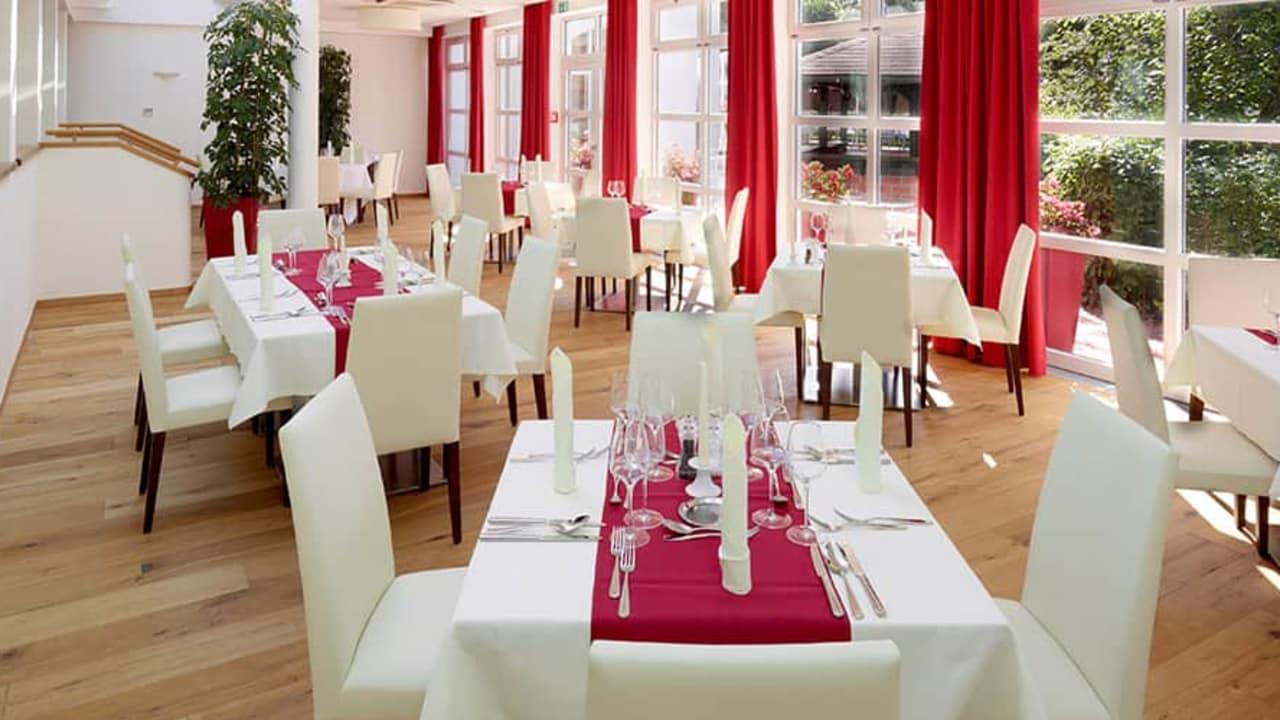Auch kulinarisch hat das Hotel einiges zu bieten. Nicht nur im Wintergarten... (Foto: DAS LUDWIG)