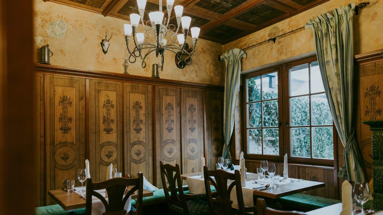 <h2>Restaurant</h2>Lassen Sie sich im Hotelrestaurant vom Chefkoch verwöhnen. (Foto: Hotel Drei Quellen Therme)