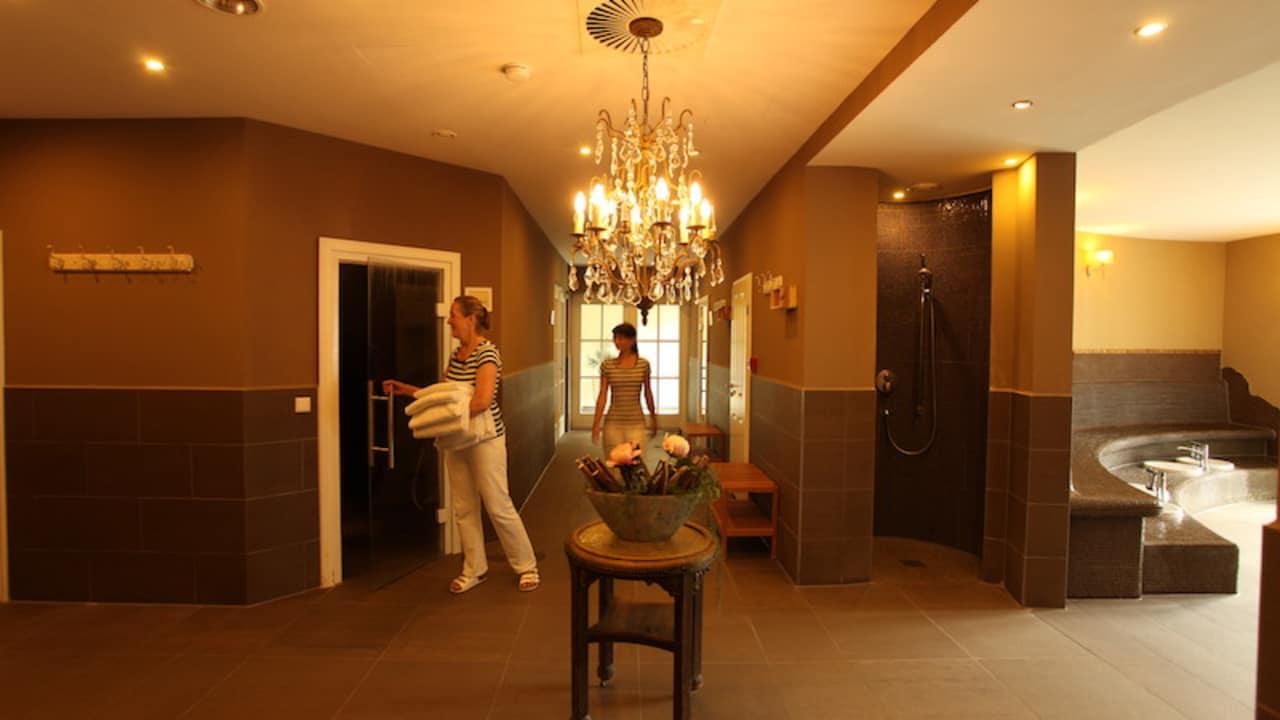Der Spabereich des Hotels bietet 1300m² Erholung und Genuss. (Foto: Schloss Basthorst)