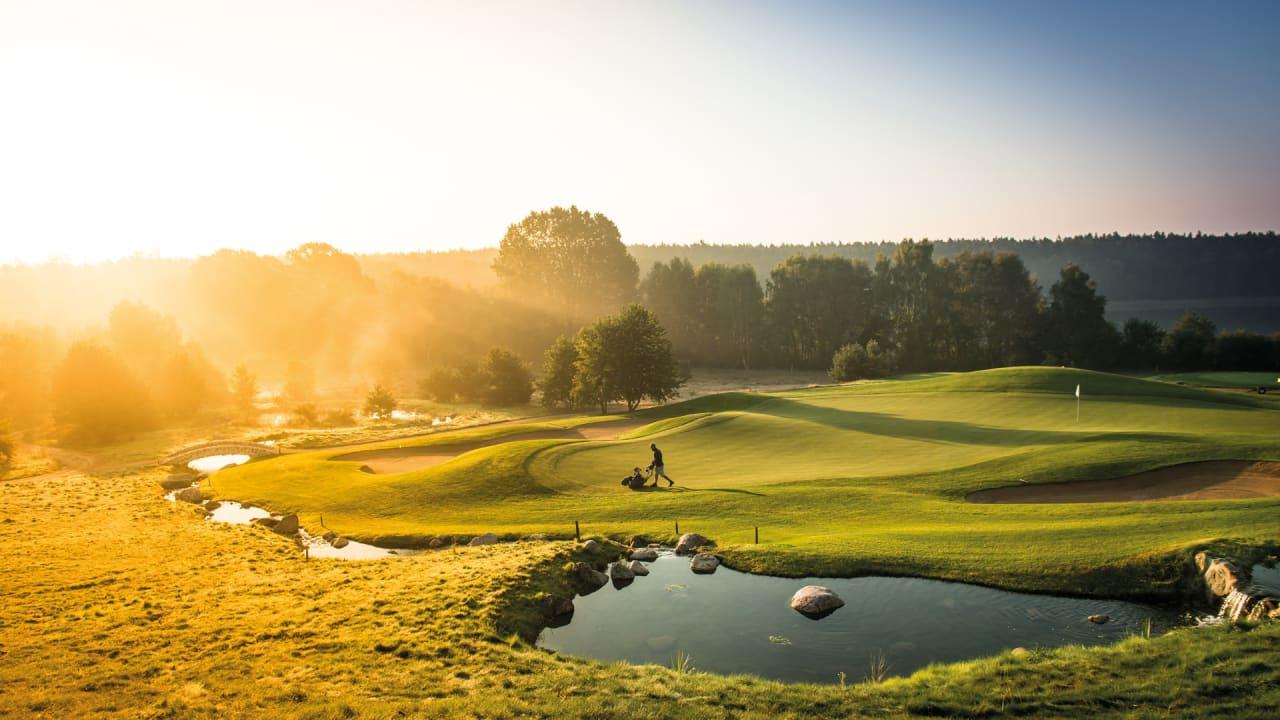 Schloss Kaarz ist exklusives WINSTONgolf-Partnerhotel und bietet verschiedene Golf-Arrangements sowie Greenfee-Ermäßigungen für die drei Golfplätze - wie dem WINSTONopen - an. (Foto: Stefan von Stengel)