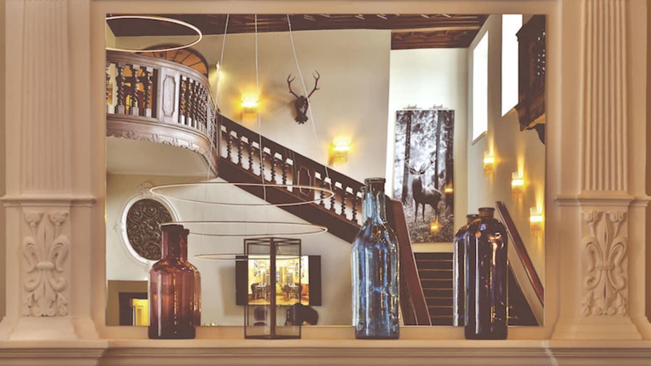 Blick auf die Treppe. (Foto: SCHLOSS Fleesensee)