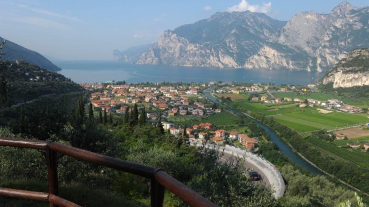 Einen wundervollen Blick auf den Gardasee bietet das Städtchen Nago Torbole im Norden Italiens. (Bild: CHRISTOF STACHE/AFP/Getty Images)