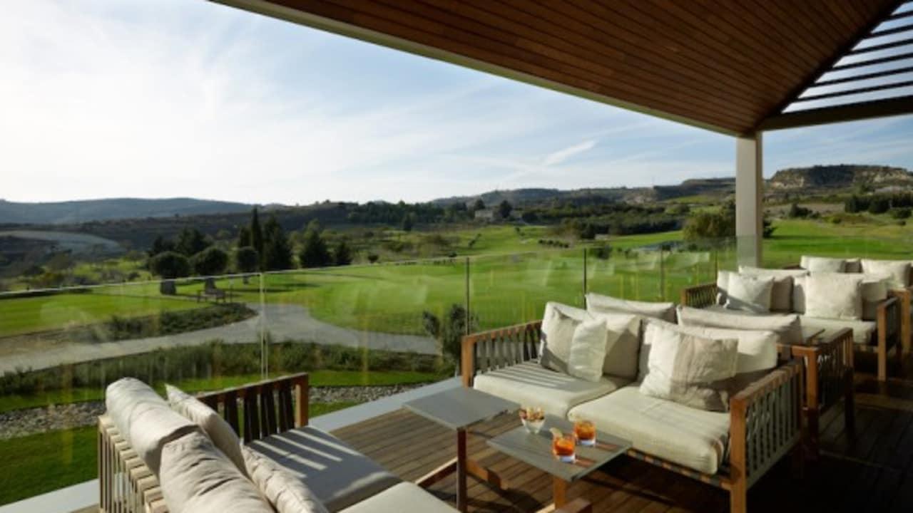 Abgesehen vom Golfplatz wartet Minthis Hills mit einem luxuriösen Clubhaus inklusive Restaurant und Sportbar auf. (Foto: Minthis Hills Golf Club)
