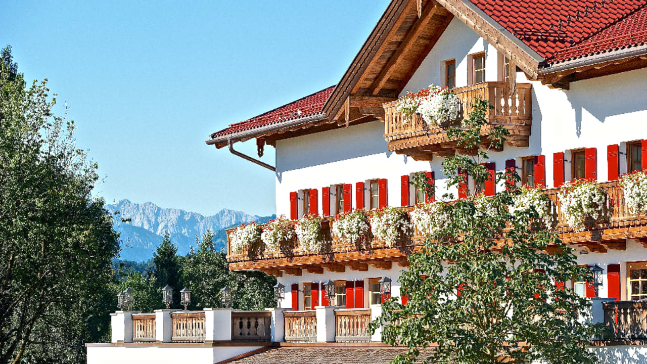 Hotelansicht Golf Resort Achental in Grassau im Chiemgau. (Foto: Golf Resort Achental)