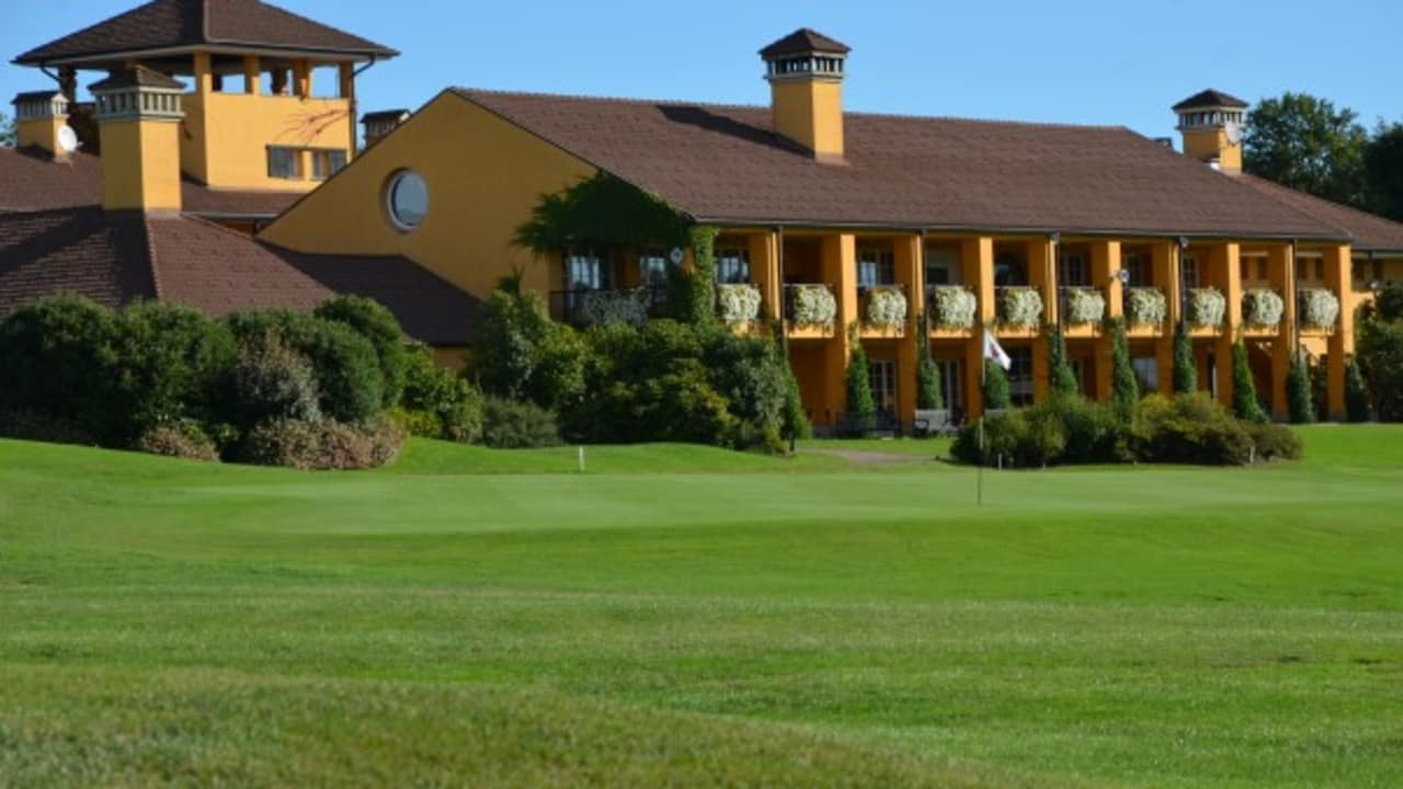 Die 19 Hotelzimmer des Hotels befinden sich im Clubhaus.  (Foto: Golf Hotel Italy)
