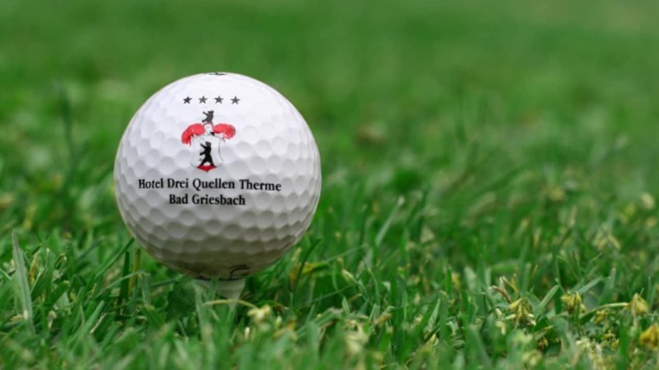 <h2>Golfurlaub im Hotel Drei Quellen Therme</h2>