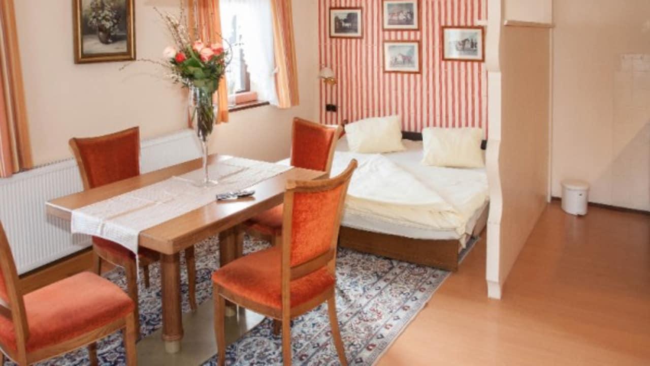 <h2>Appartement Typ 3</h2> Der Wohn- und Schlafraum im Appartement Typ 3.