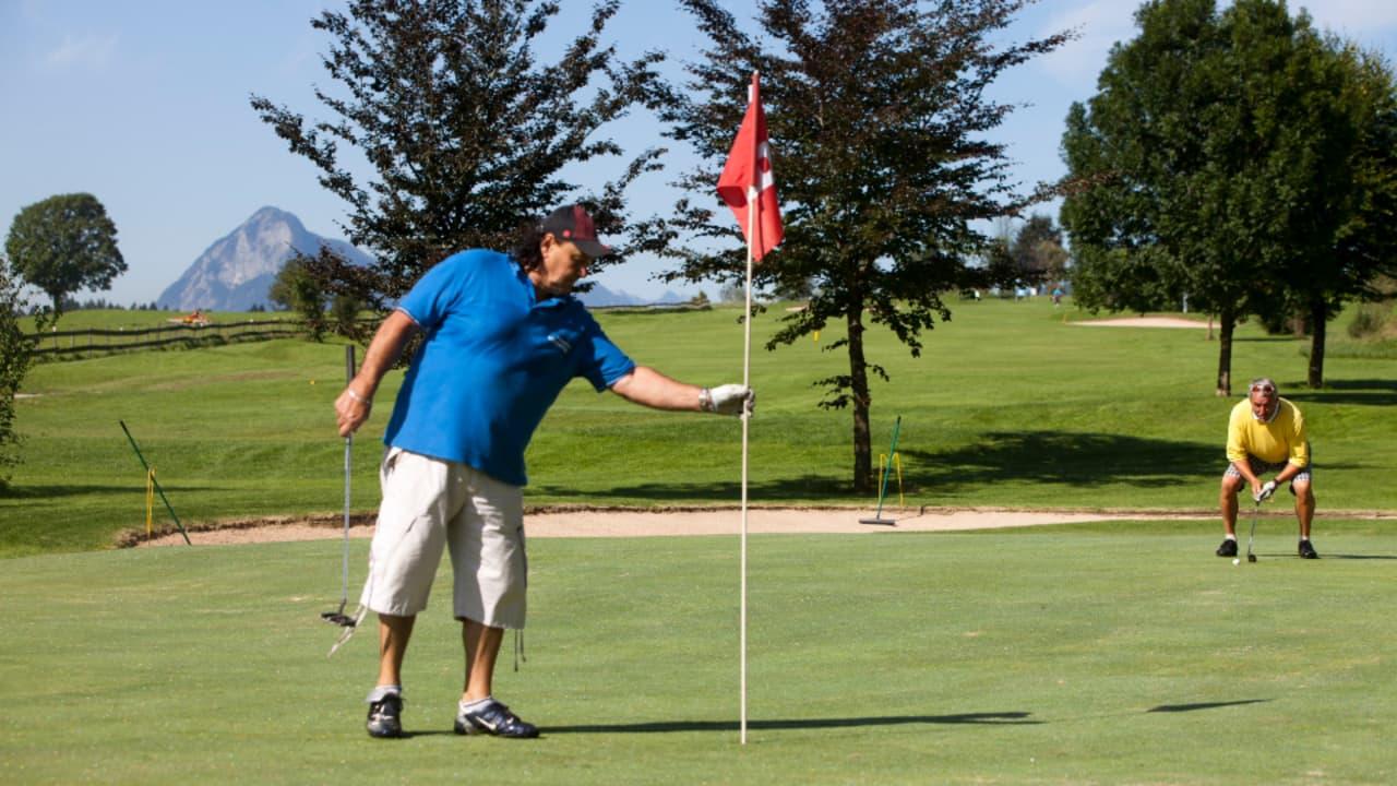 Errichtet wurde die Golfanlage von  Dr. Herbert Emberger und Hans Ebersberger. Sie zeichnet sich vor allem durch eine freundliche und familäre Atmosphäre aus. (Foto: Tourismusverband Kaiserwinkl)