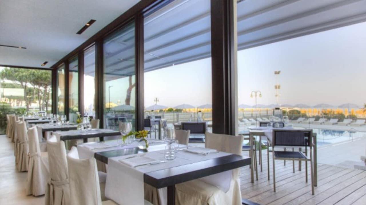 Im Restaurant des Hotels kann man interantionale Küche genießen. (Quelle: Hotel Ril)