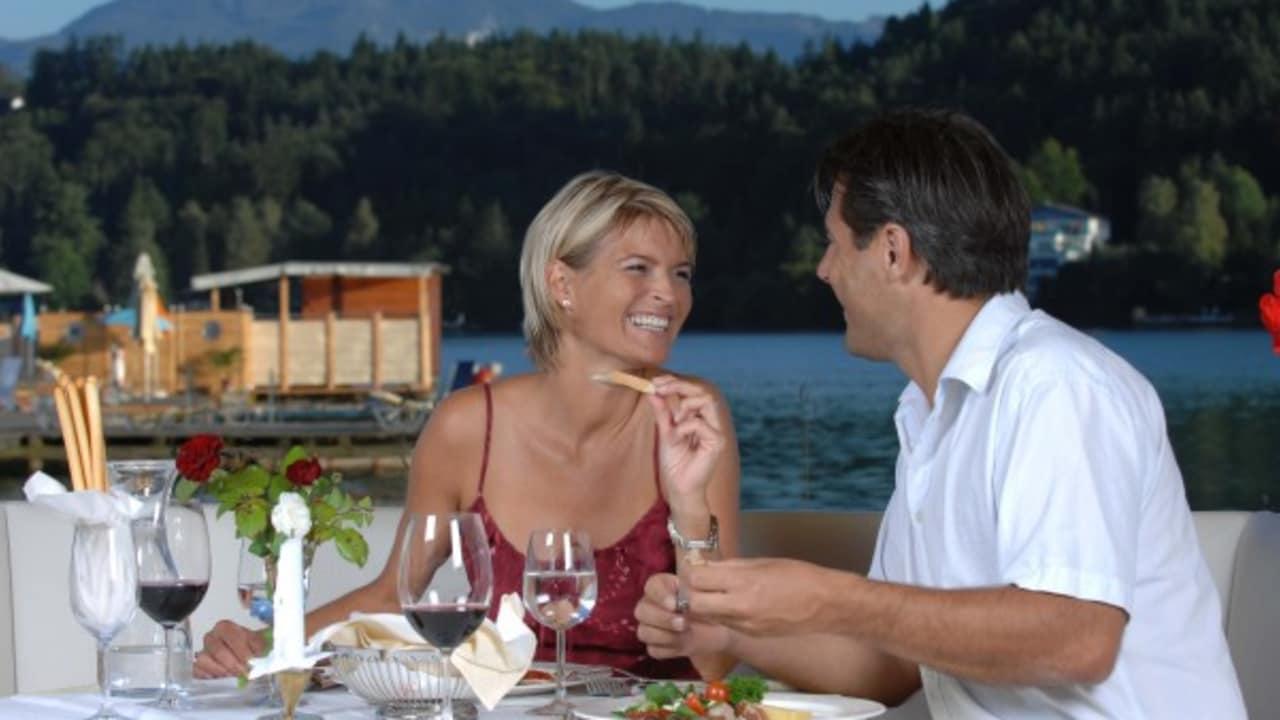 Das Seerestaurant mit herrlichem Ausblick (Foto: Mateidl).