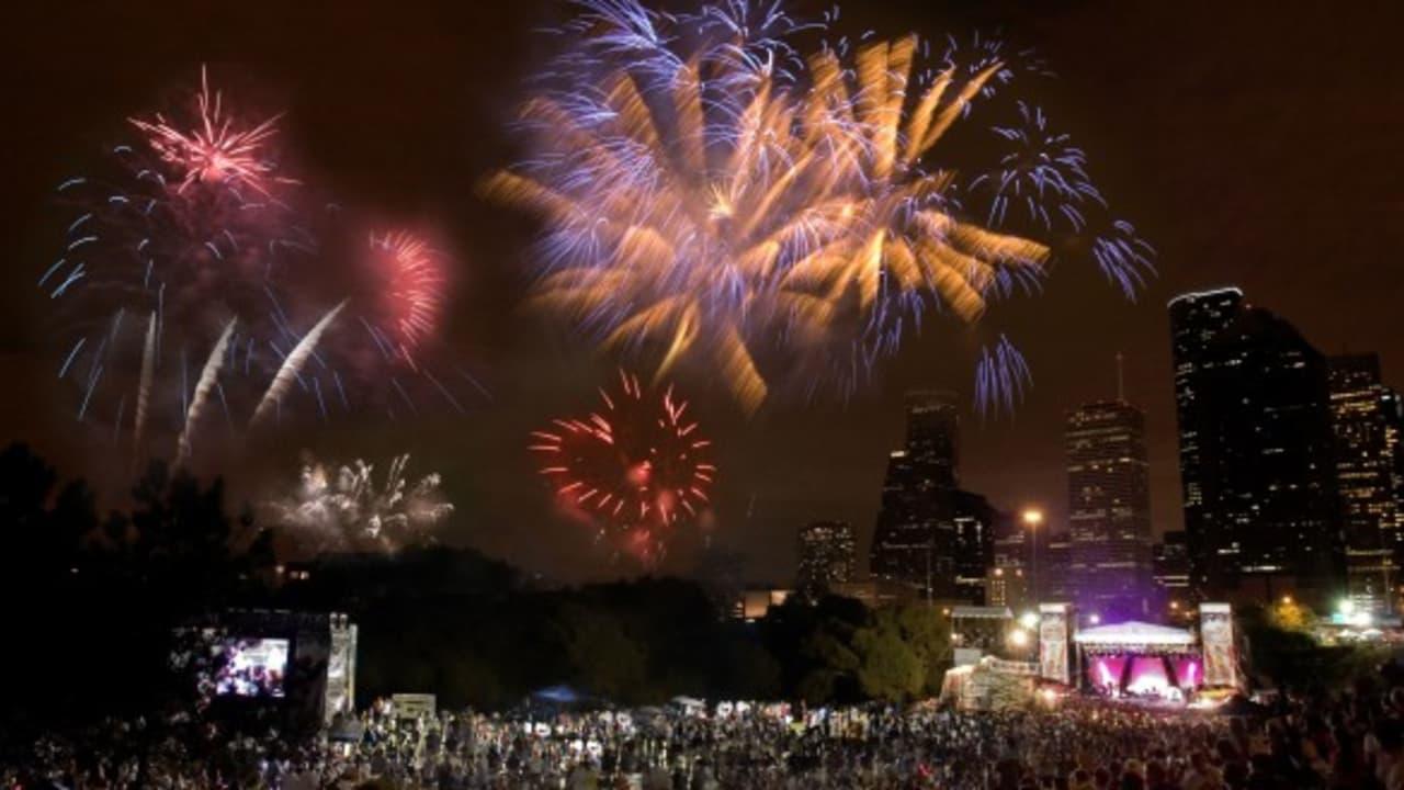Wer am 4. July nach Texas reist, kann ferner über der Skyline von Houston ein gigantisches Feuerwerk erleben. (Foto: Greater Houston Convention & Visitors Bureau)