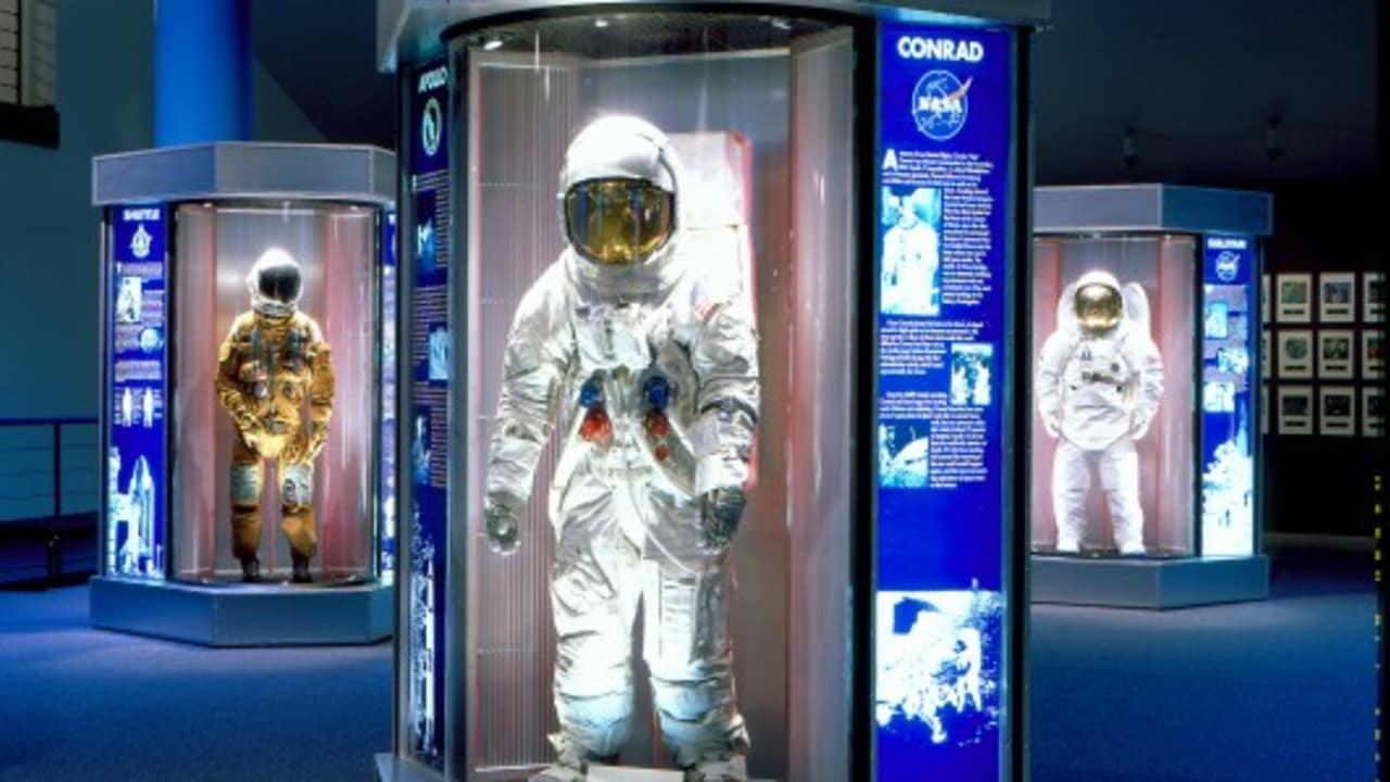 ... das Space Center. Das Besucherzentrum des Lyndon B. Johnson Space Centers der NASA lädt dazu ein, auf eine Reise durch die Geschichte der Raumfahrt zu gehen. Hier können Sie sich beispielsweise die Mercury-9-Kapsel ansehen oder den Nachbau eines Space Shuttles besichtigen. (Foto: Greater Houston Convention & Visitors Bureau)