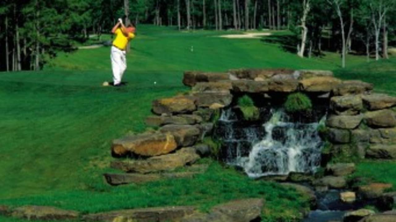 Doch nicht nur auf dem Tour 18 Golf Course können Sie Ihren Schläger schwingen. Houston hat daneben viele weitere tolle Plätze zu bieten wie etwa den Eagle Pointe Golf Club, ... (Foto: Greater Houston Convention & Visitors Bureau)