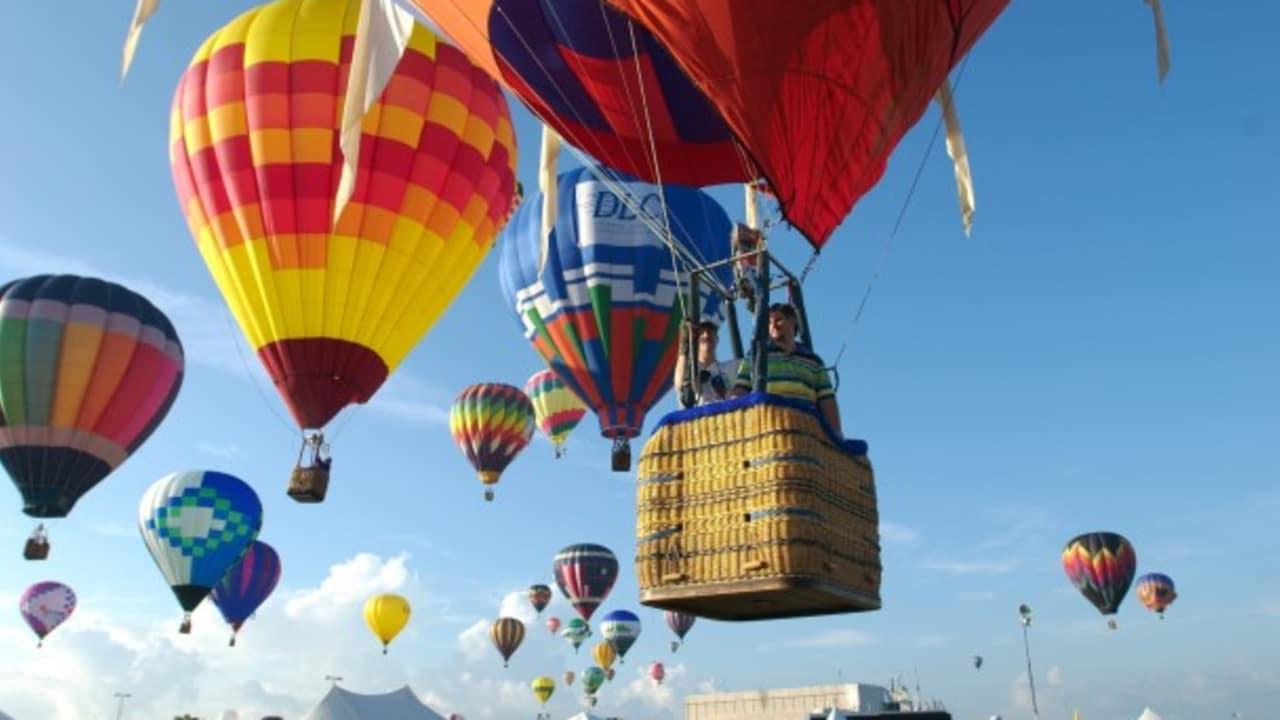 Aber auch Festivals werden in Houston groß geschrieben. Neben Events zu Ehren von Barbecue und Bier können Sie in der texanischen Metropole beispielsweise einer Vielzahl bunter Heißluftballons beim Ballunar Liftoff Festival entgegenwinken. (Foto: Greater Houston Convention & Visitors Bureau)