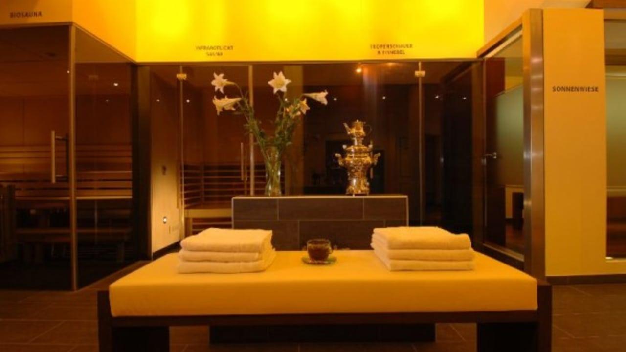 <h2>Spa-Bereich</h2>Entspannung pur. Nach einem Gang in einer der fünf verschiedenen Saunen des Hotels, wird die angenehme Stille im Ruheraum genossen. (Foto: Das Moerisch)