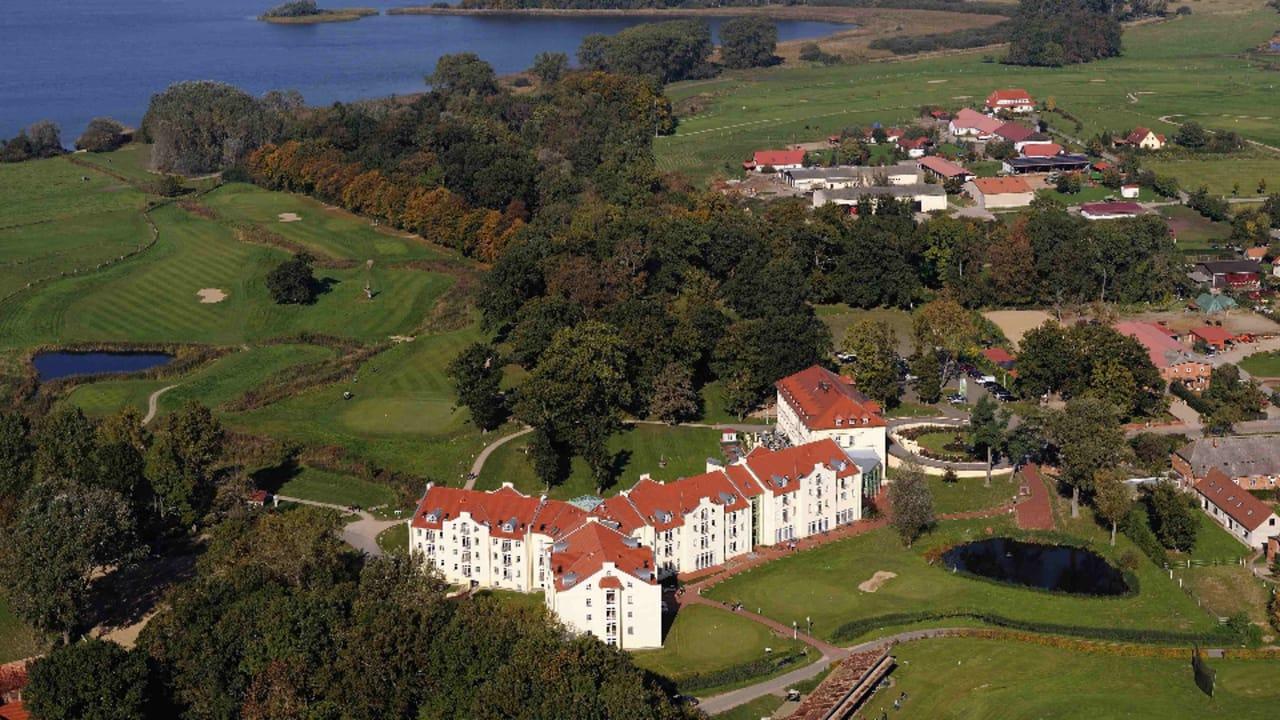 Wir verlosen diese Woche zwei Übernachtungen im Landhotel Schloss Teschow am Teterower See. (Foto: Landhotel Schloss Teschow)