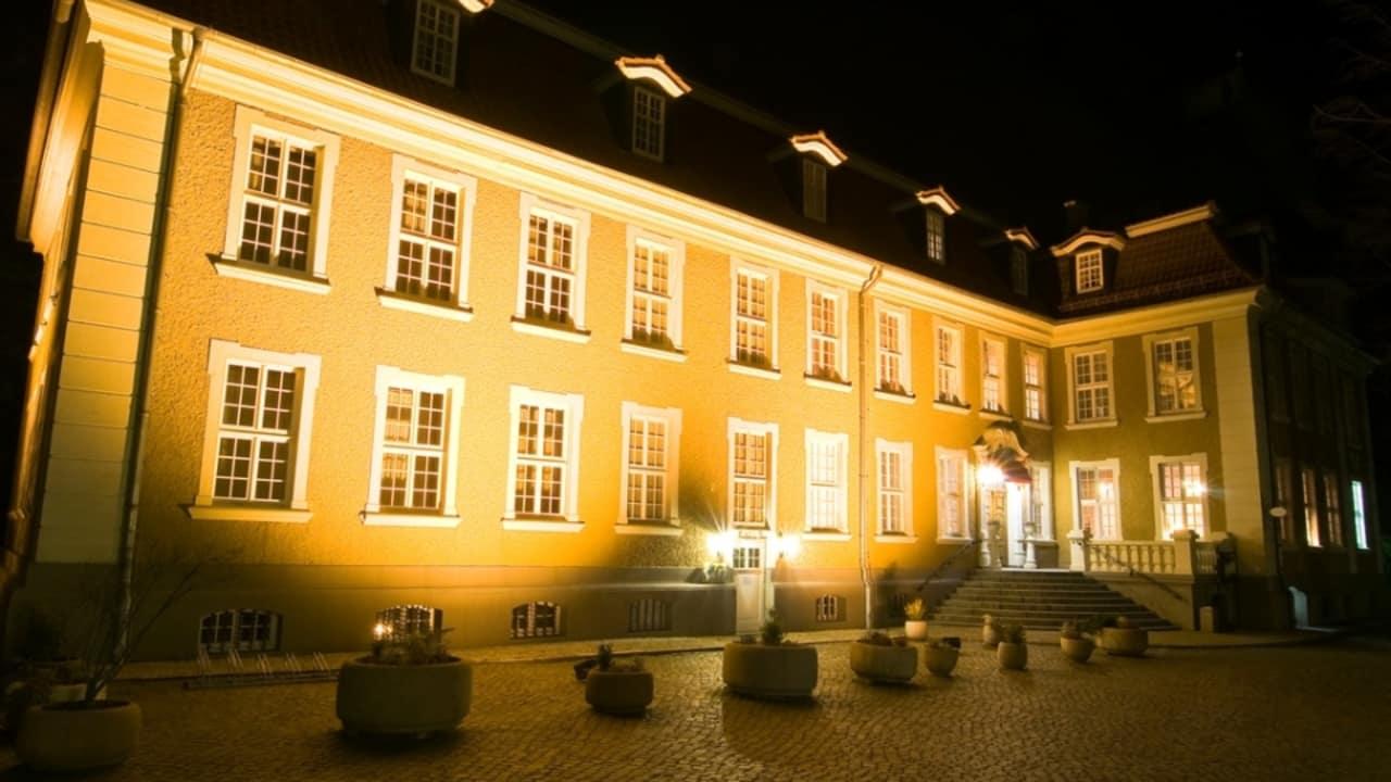 Im hauseigenen Restaurant kann der Tag bei einem delikaten Essen zu Ende gehen. (Foto: Parkhotel Schloss Meisdorf)