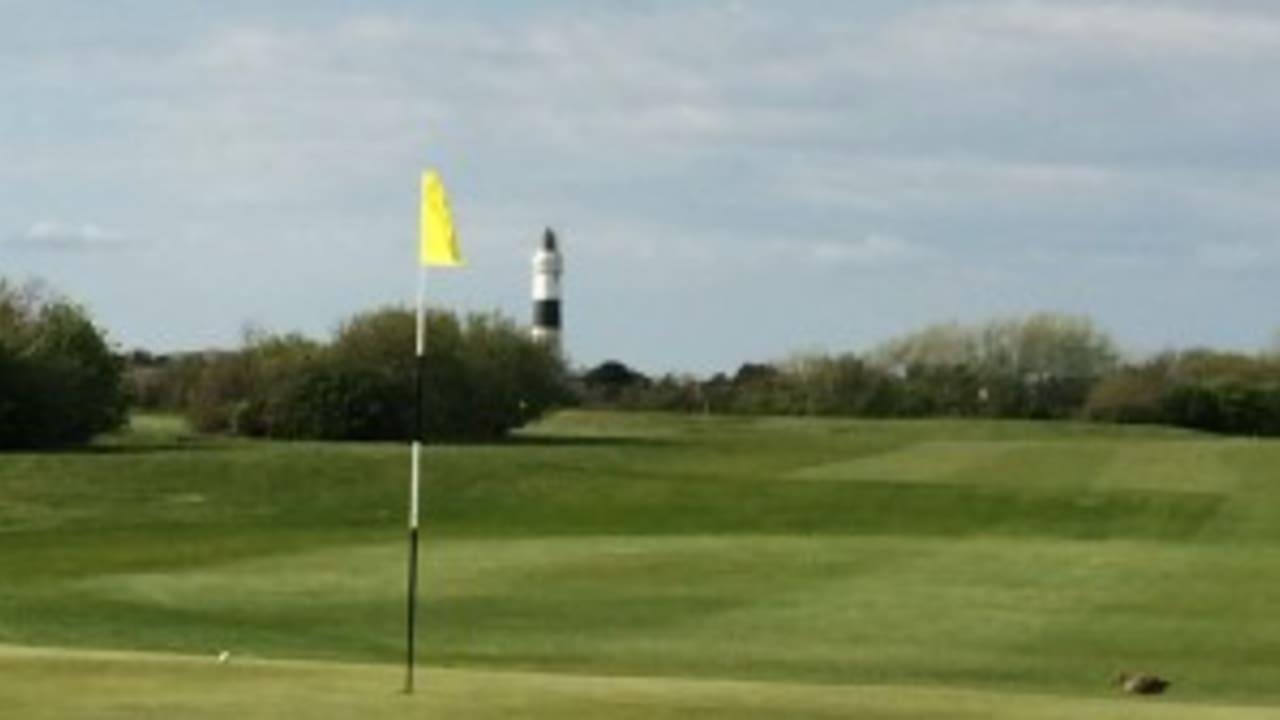 <h2>Marine Golf Club</h2> Vom Platz hat man einen guten Blick auf den Leuchtturm. (Foto: golfpost).