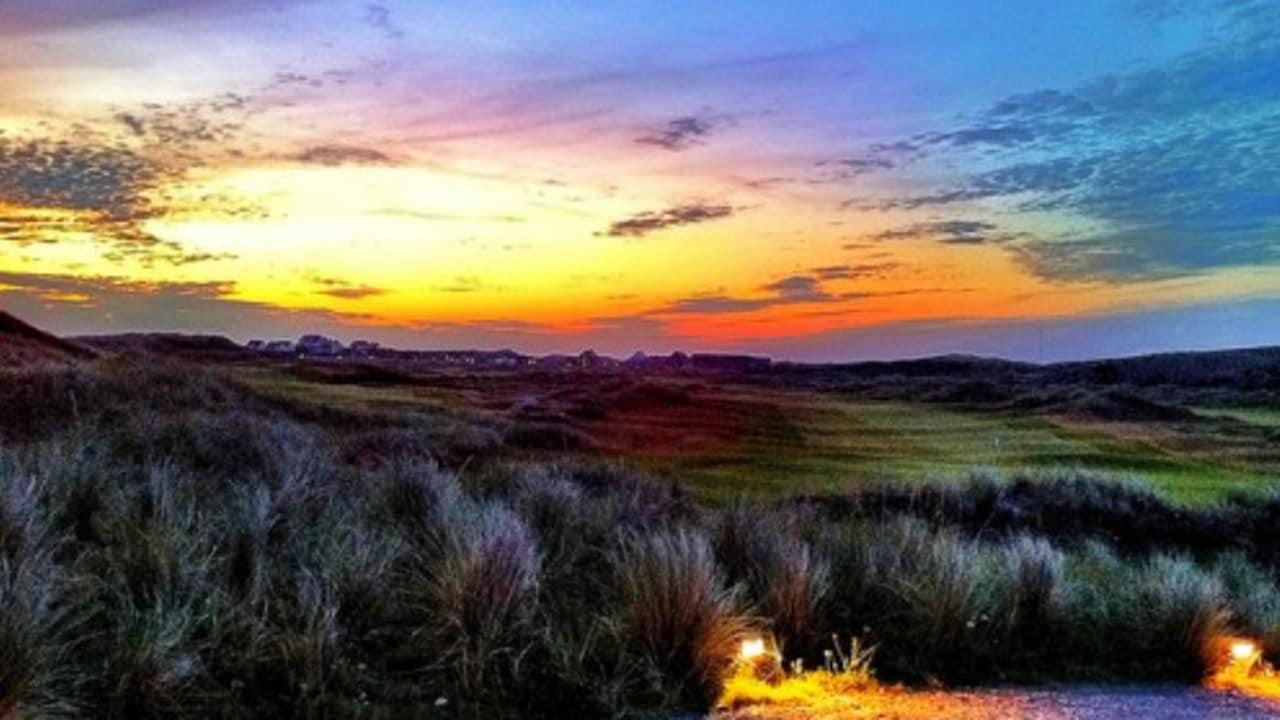 <h2>Golf Club Budersand</h2> Die abendliche Atmosphäre rundet einen schönen Golftag ab (Foto: flickr).